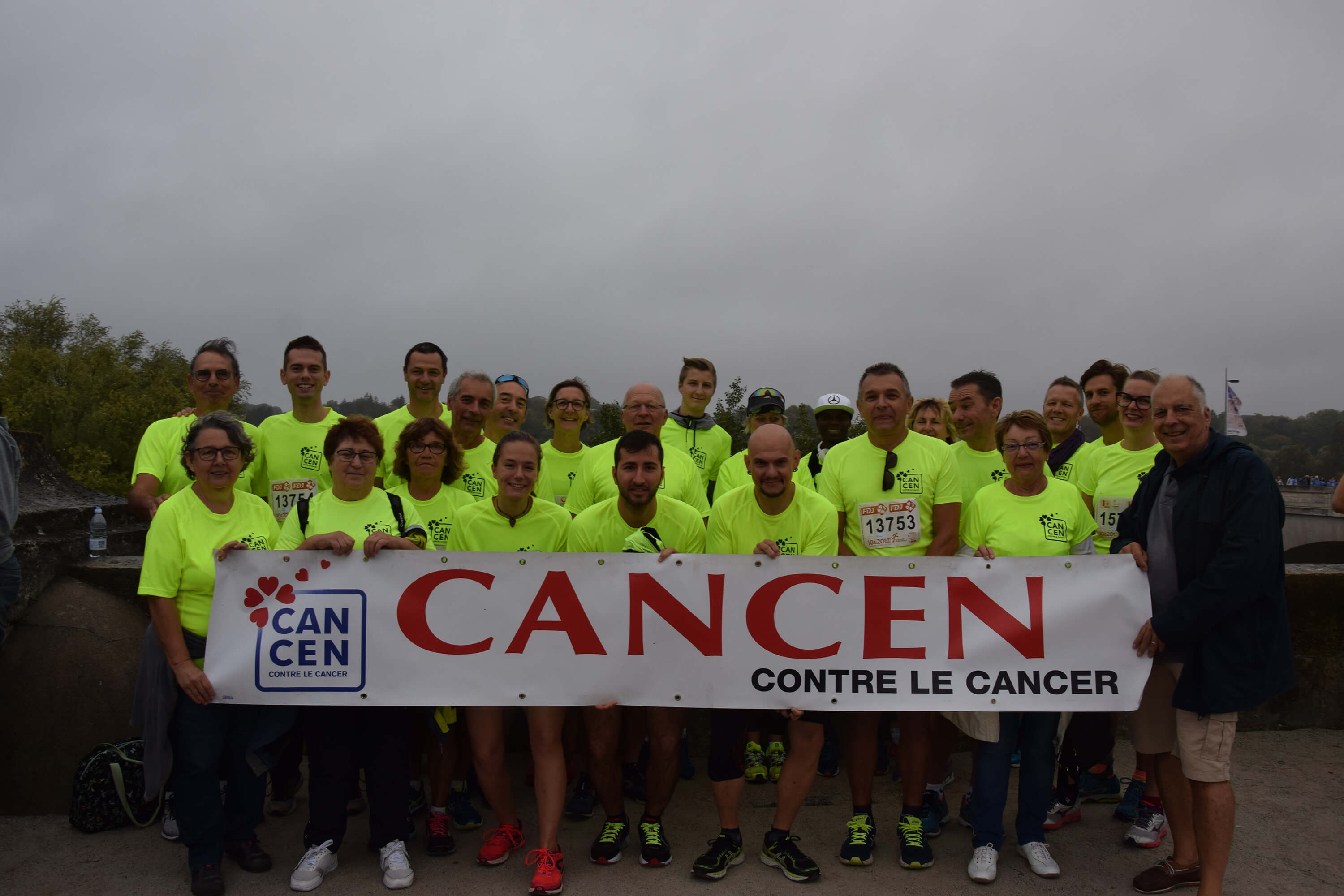 10km de Tours - Participants aux couleurs de l'association CANCEN
