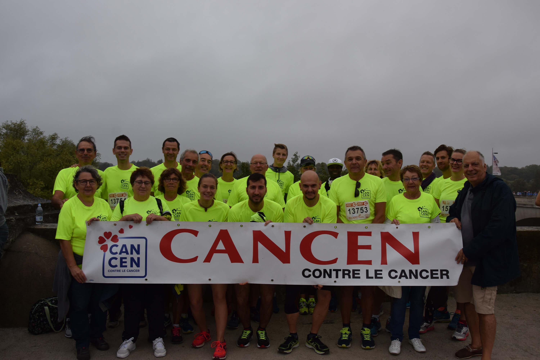 10km de Tours - Participants aux couleurs de l'association CANCEN